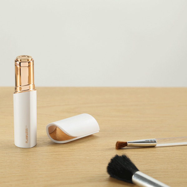 video FLAWLESS - Stick Anti-Défaut Rechargeable USB